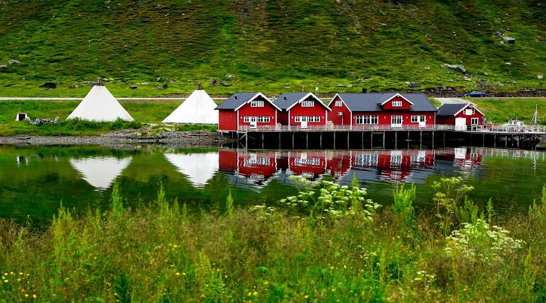 Foto: Fjord Landschaft in Norwegen